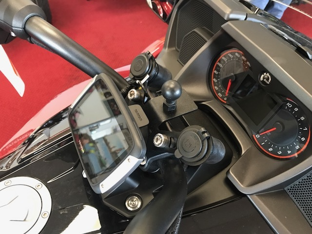 Can Am Spyder F3 Docking Station with 2 Dual USB Ports