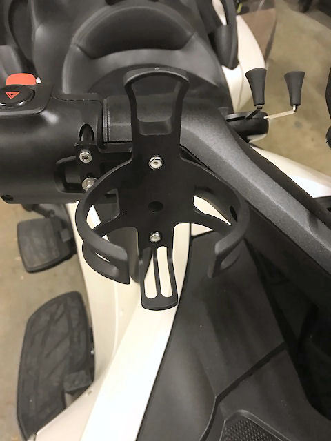 SPYDER EXTRAS MOUNTING BRACKET WITH SWAGMAN CUP HOLDER FOR MODELS F3 & RT CUP HOLDER KIT RIGHT SIDE SF3RT-CHR KIT