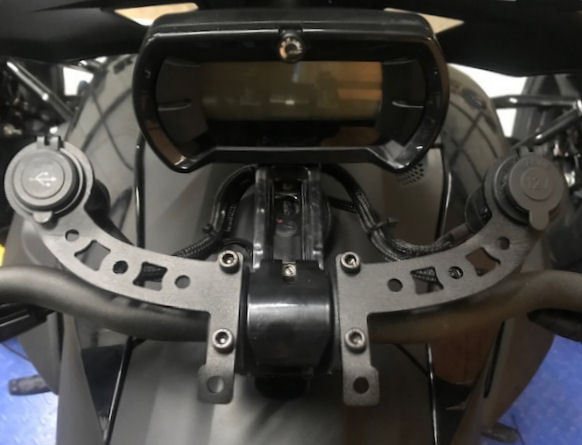 2019 Can-Am Ryker Parts & Accessories 12 VOLT DOCKING STATION RYK-1U12 (1-DUAL USB, 1-12 Volt)